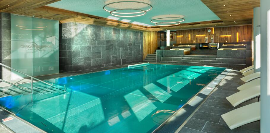 hotel indoor pool kaprun