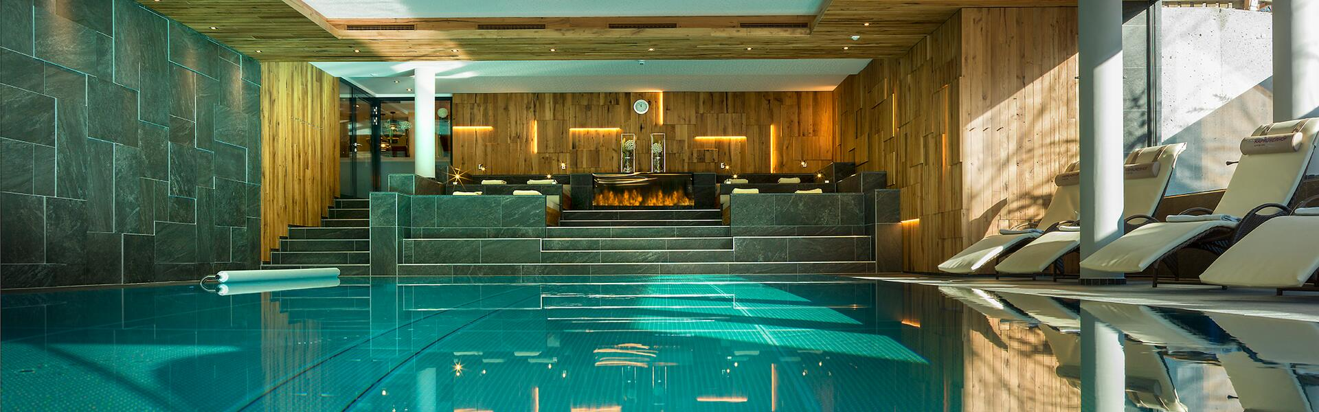 hallenbad hotel kaprunerhof zell am see kaprun hotel kaprunerhof. Black Bedroom Furniture Sets. Home Design Ideas